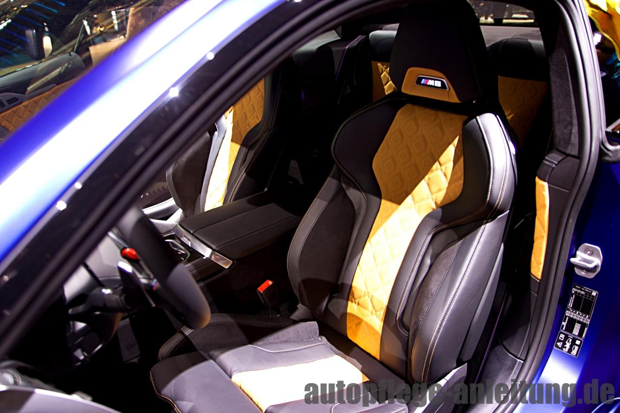 Auto Sitzwangen schonen - Richtig einsteigen und aussteigen